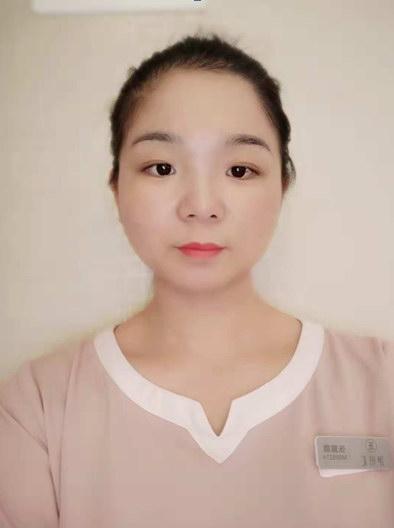张露露-伊丽汇东莞君御旗峰店