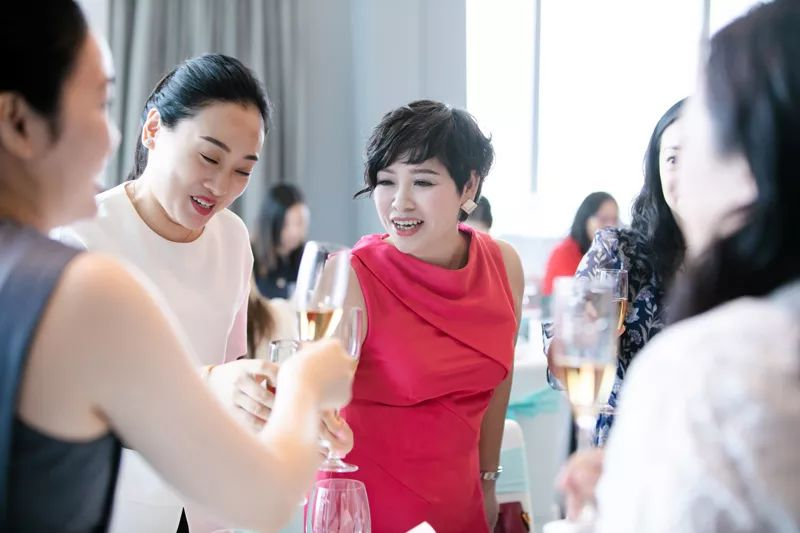 伊丽汇2019年超级体验官答谢酒会广州站浪漫开启
